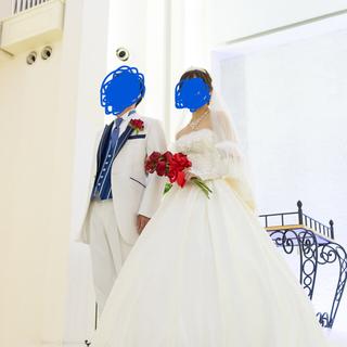 エメ(AIMER)のAIMER ウェディングドレス(ベール、グローブ付き)(ウェディングドレス)