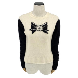 シャネル(CHANEL)のCHANEL☆ 95A セーター ココマーク ロゴ カシミア ホワイト ブラック(ニット/セーター)