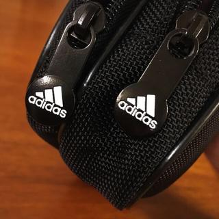 アディダス(adidas)の新品未使用 マルチケース(その他)