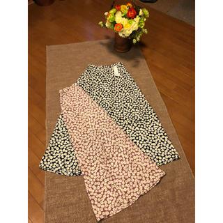 ジーユー(GU)の❣️ジーユー花柄ロングスカート2色セット未使用品❣️(ロングスカート)