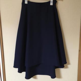 ラグナムーン(LagunaMoon)のラグナムーン イレギュラーヘムフレアスカート ネイビー(ひざ丈スカート)