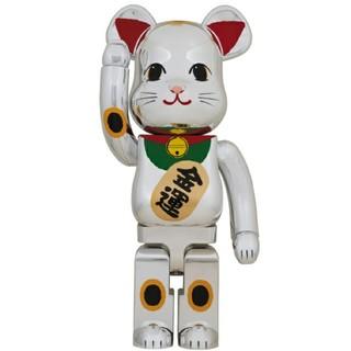 メディコムトイ(MEDICOM TOY)のベアブリック BE@RBRICK 招き猫 銀メッキ 弐 1000% 送料無料(その他)
