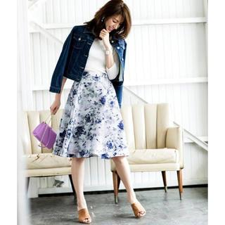 ジャスグリッティー(JUSGLITTY)の美品 ♡ JUSGLITTY フラワースカート(ひざ丈スカート)