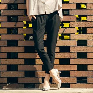 ロートレアモン(LAUTREAMONT)の美品♪ ロートレアモン 40スーパーハイテンションスタイリッシュパンツ黒(カジュアルパンツ)