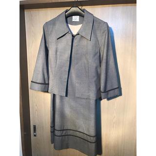 ローラアシュレイ(LAURA ASHLEY)のローラアシュレイ スーツ グレー 9号 スカートは11号(スーツ)
