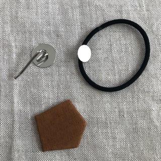イデー(IDEE)のレザー ヘアゴム /ポニーフック茶④(ヘアアクセサリー)