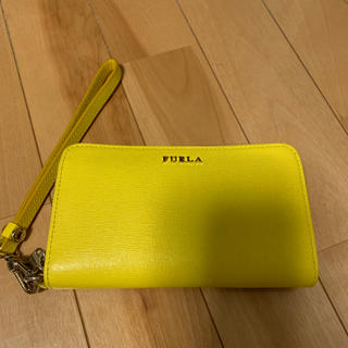 フルラ(Furla)のフルラ  iPhoneケース 財布 イエロー(iPhoneケース)