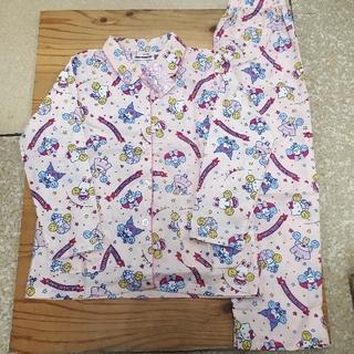 サンリオ(サンリオ)の新品タグ付き ピンク サンリオキャラ集合 長袖パジャマ 上下組 フリーサイズ(パジャマ)