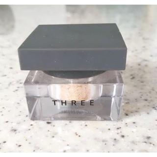 スリー(THREE)のTHREE シマリング カラーヴェール 44 GOLDEN GOSSIP 2.0(その他)