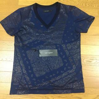 ウノピゥウノウグァーレトレ(1piu1uguale3)の美品 定価3万 1piu1uguale3 バンダナTシャツ サイズⅤ AKM(Tシャツ/カットソー(半袖/袖なし))
