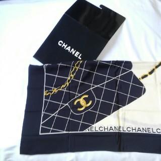 シャネル(CHANEL)のCHANEL スカーフ マトラッセ柄 ブラック ケース付き(バンダナ/スカーフ)