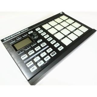 ■Native Instruments MASCHINE MIKRO(MIDIコントローラー)