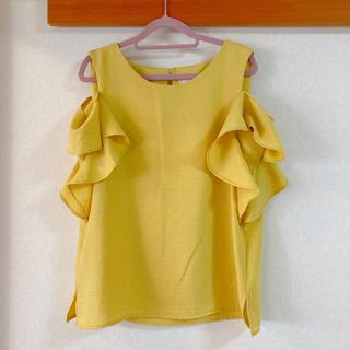 エージーバイアクアガール(AG by aquagirl)のイエロー 肩出しトップス(シャツ/ブラウス(半袖/袖なし))
