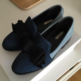 ランダ(RANDA)のRANDAデニムリボンフラット(ローファー/革靴)