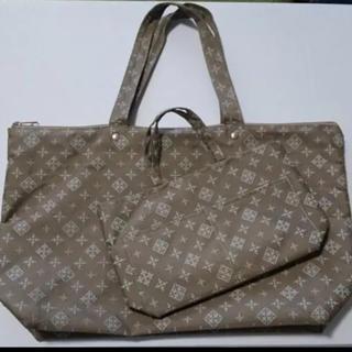 ラシット(Russet)のラシットトートバッグセット。バッグインバッグ付属、未使用に近い、美品です。(ハンドバッグ)