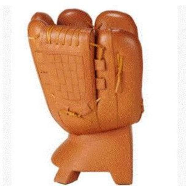 MIZUNO(ミズノ)のプロ野球開幕記念大幅値下げ❣️ ミズノグラブチェアー 新品未使用❗️ スポーツ/アウトドアの野球(記念品/関連グッズ)の商品写真