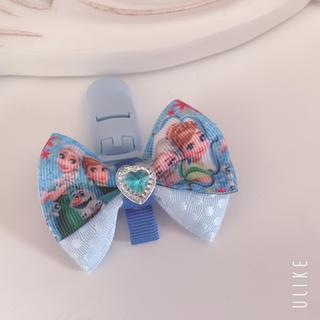 ディズニー(Disney)のエルサ アナ雪 幼稚園 服に穴が開かないクリップ 名札クリップ(ネームタグ)