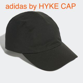 ハイク(HYKE)のadidas by HYKE CAP 黒(キャップ)