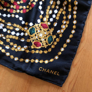 CHANEL シャネル スカーフ 宝石柄 ジュエリー柄
