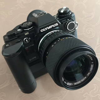オリンパス(OLYMPUS)の【値下げしました】オリンパス OM10 ダブルズームレンズセット、ワインダー付き(フィルムカメラ)