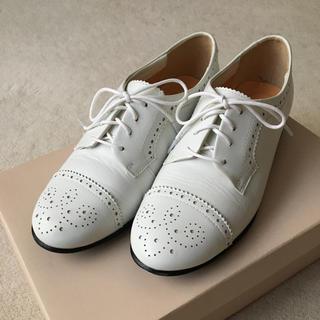 オデットエオディール(Odette e Odile)の白のウイングチップ(ローファー/革靴)