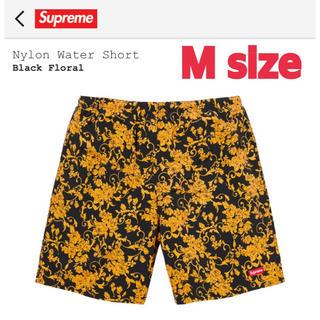 シュプリーム(Supreme)のSupreme Nylon Water Short Black Floral M(ショートパンツ)