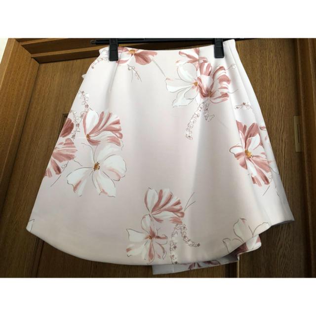 snidel(スナイデル)のsnidel ドローイングフラワースカート レディースのスカート(ミニスカート)の商品写真