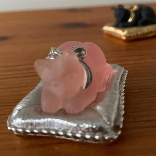 エスティローダー(Estee Lauder)のエスティローダー ホリデイコンパクト ピンクの猫(香水(女性用))
