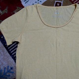 イッカ(ikka)の美品 IKKA Tシャツ(Tシャツ(半袖/袖なし))
