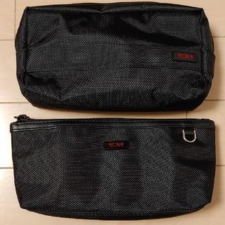 トゥミ(TUMI)のJALビジネスクラスアメニティポーチTUMIブラックセット(旅行用品)