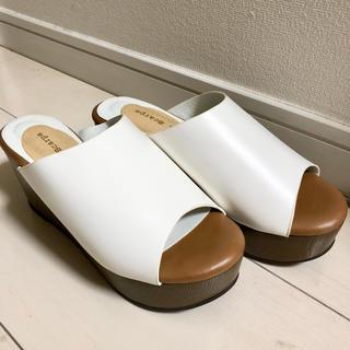 アルカリ(alcali)のmie scarpe ホワイトレザーサンダル 新品(サンダル)