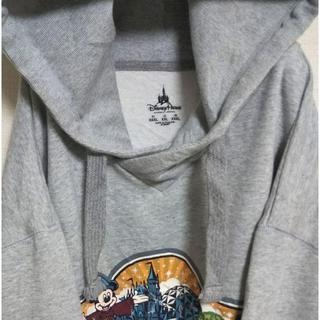 ディズニー(Disney)のディズニー スウェットパーカー ミッキー プリント 刺繍ロゴ ビッグシルエット。(パーカー)