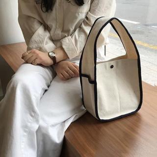カスタネ(Kastane)のパイピングキャンバスバッグ キャンバスバッグ ハンドバッグ キャンバス(ハンドバッグ)
