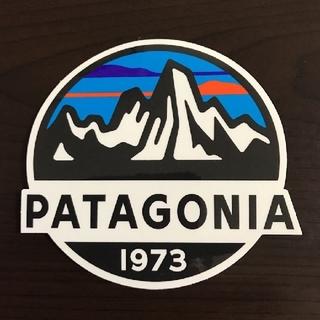 patagonia - (縦8.3cm横8.7cm)patagonia 公式ステッカー