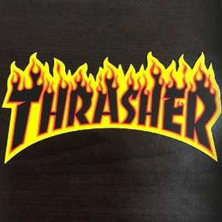 スラッシャー(THRASHER)の(縦8cm横5cm)THRASHER ファイアーロゴステッカー(スケートボード)