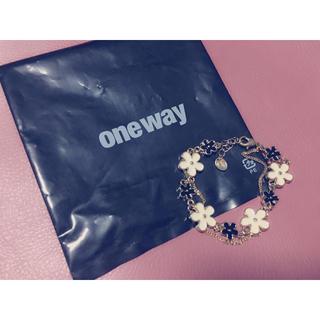 ワンウェイ(one*way)のoneway フラワーブレスレット(ブレスレット/バングル)