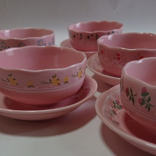 フェリシモ(FELISSIMO)のピンクの湯飲み5個セット(グラス/カップ)