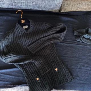 シャネル(CHANEL)のCHANEL ブラック 38サイズ ベルト紐付き(シャツ/ブラウス(長袖/七分))