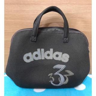 アディダス(adidas)のアディダス    グレー  メッシュバック  美品(ハンドバッグ)