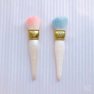 ラデュレ(LADUREE)の新品未使用♡ラドュレ♡メイクブラシ♡ピンク×ブルー(チーク/フェイスブラシ)