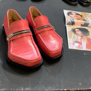 ジョンローレンスサリバン(JOHN LAWRENCE SULLIVAN)のMAGLIANO 20SS MONSTER LOAFER ZIPPED PINK(スニーカー)