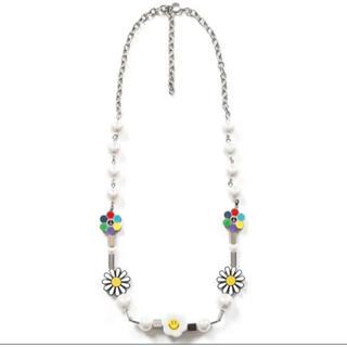 オフホワイト(OFF-WHITE)のSALUTE FLOWER ANARCHY SMILE ネックレス(ネックレス)