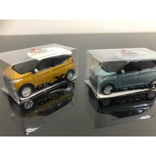 ミツビシ(三菱)の二台 三菱 ミニカー ekワゴン  ekクロス 現行デザイン 新品(ミニカー)