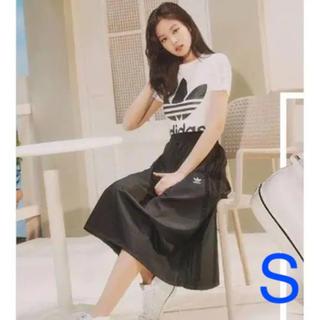アディダス(adidas)の新品 アディダス サイドレーススカート(ひざ丈スカート)