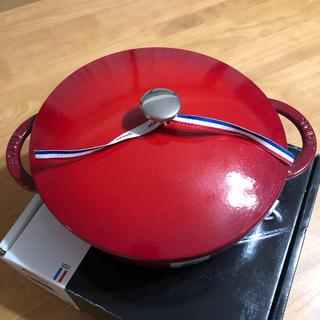 ストウブ(STAUB)のstaub ニダベイユ ソテーパン  24cm チェリー レッド 新品未使用 (鍋/フライパン)
