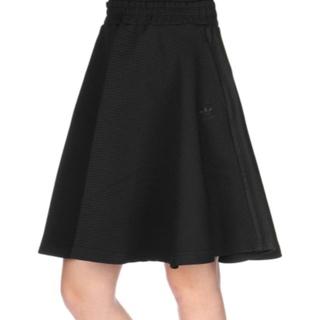 アディダス(adidas)の新品 アディダス スカート(ひざ丈スカート)