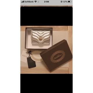 ビューティアンドユースユナイテッドアローズ(BEAUTY&YOUTH UNITED ARROWS)の未使用 付属品完備 HASHIBAMI ハシバミ 羊革の折財布 シルバー    (財布)