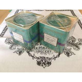 ハロッズ(Harrods)のfortnum&masonアールグレイ&ロイヤルブレンド2缶セット(茶)