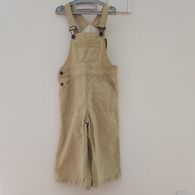 GU(ジーユー)のGU サロペット130㎝ キッズ/ベビー/マタニティのキッズ服男の子用(90cm~)(パンツ/スパッツ)の商品写真