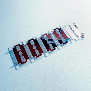 ファンキーフルーツ(FUNKY FRUIT)のカミソリの刃 ブレスレット(ブレスレット/バングル)